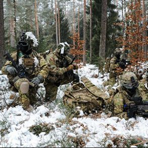 173rd-Airborne-Brigade-paratroopers